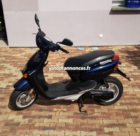 Yatoutannonces.com :  Vehicules -> Motos - Scooters ->  : Scooter Yamaha Neos 50 Cc